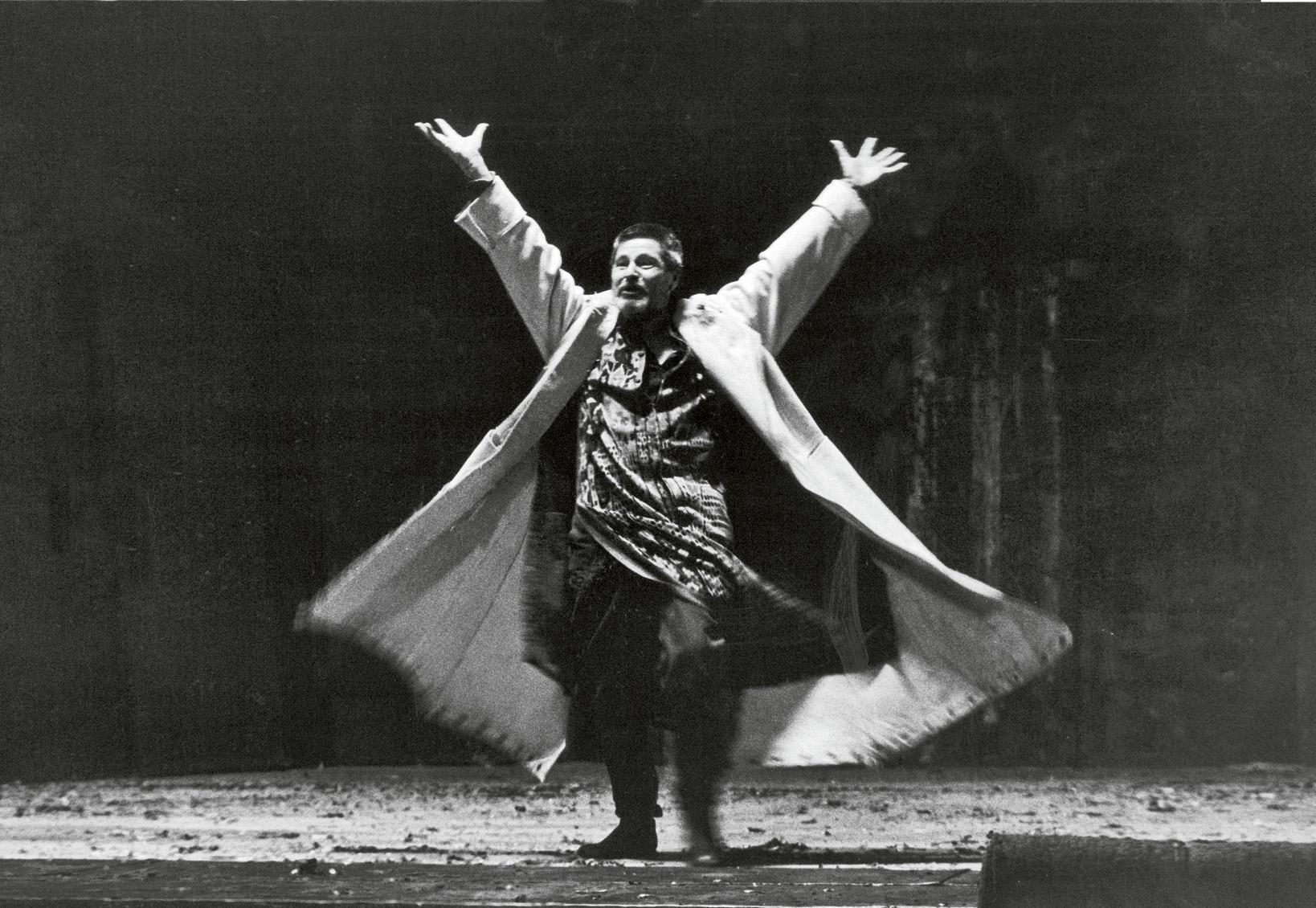 Rolf Boysen als König Lear im gleichnamigen Stück von William Shakespeare, eine Inszenierung von Dieter Dorn aus dem Jahr 1992