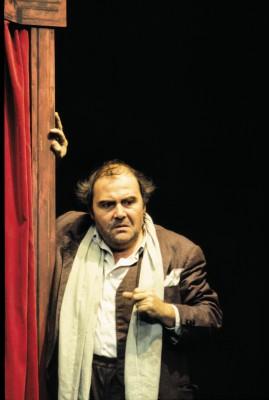 """Lambert Hamel als Bruscon in Thomas Bernhards Stück """"Der Theatermacher"""", eine Inszenierung von Hans Lietzau aus dem Jahr 1988"""
