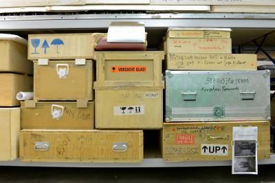Im Depot; Foto: Silke Lachmund, mit freundlicher Genehmigung der Berlinischen Galerie, Landesmuseum für Moderne Kunst, Fotografie und Architektur