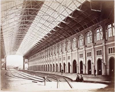 Friedrich Brandseph, Ehemaliger Zentralbahnhof an der Schlossstraße, Stuttgart, 1867/68, Albuminpapierabzug © Münchner Stadtmuseum, Sammlung Siegert