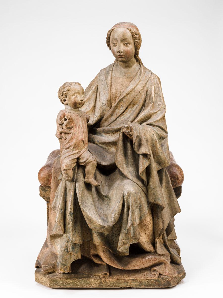 Thronende Madonna mit Kind, 1390/1400, Gussstein mit Farbresten, 72 x 41,5 x 31 cm; © Bayerisches Nationalmuseum, München