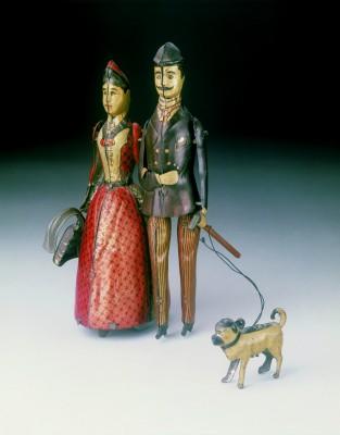 """Die Firmeninhaber als Spielzeug: """"Familie Lehmann"""", produziert von 1891 bis 1895 © Spielzeugmuseum Nürnberg; Foto: Christiane Richter"""