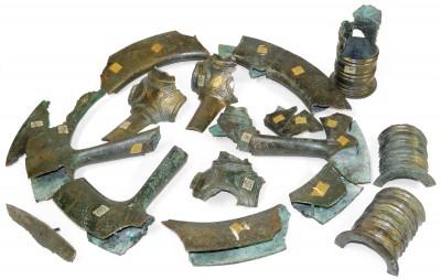Bronzerad aus dem 9. Jh.v.Chr., eines von vier Rädern des 1919 in Stade gefundenen Bronzedepots, ca. 58 cm im Durchmesser, Restaurierungsförderung der Kulturstiftung der Länder für die Museen Stade © Museen Stade