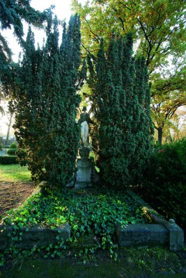 Das Grabmal Bertha Baronin von Arnswaldt Bitte Nutzungsrechte klären bei Fotograf Stefan Günther, Mobil +49 163 71 65 778, Mail guenther@stefanguenther.de