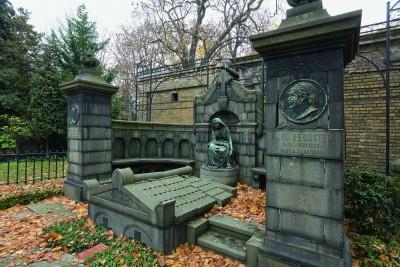 Das Erbbegräbnis Carl Bechstein Bitte Nutzungsrechte klären bei Fotografin Daniela Friebel, Mobil + 49 174 329 1303, Mail post@danielafriebel.de