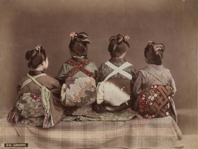 Kusakabe Kimbei, Tänzer, um 1890, Albumin, Museum für Kunst und Gewerbe Hamburg; © Museum für Kunst und Gewerbe Hamburg/Foto: Maria Thrun