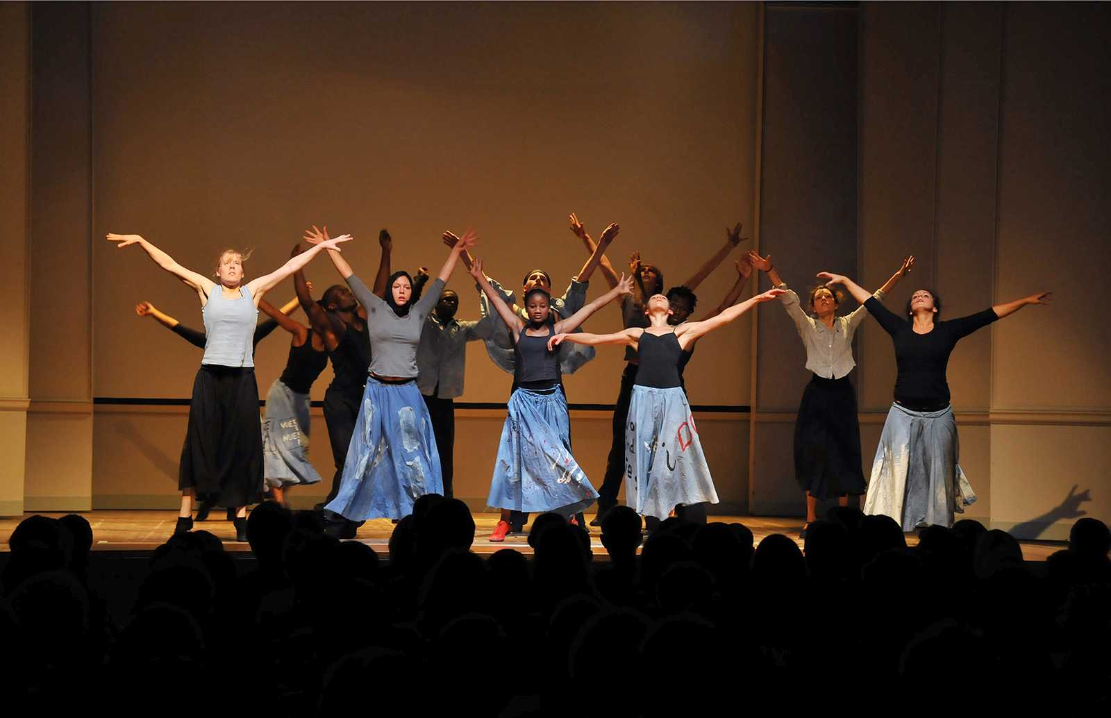 Anlässlich der Preisverleihung tanzte die lis:sanga dance Company