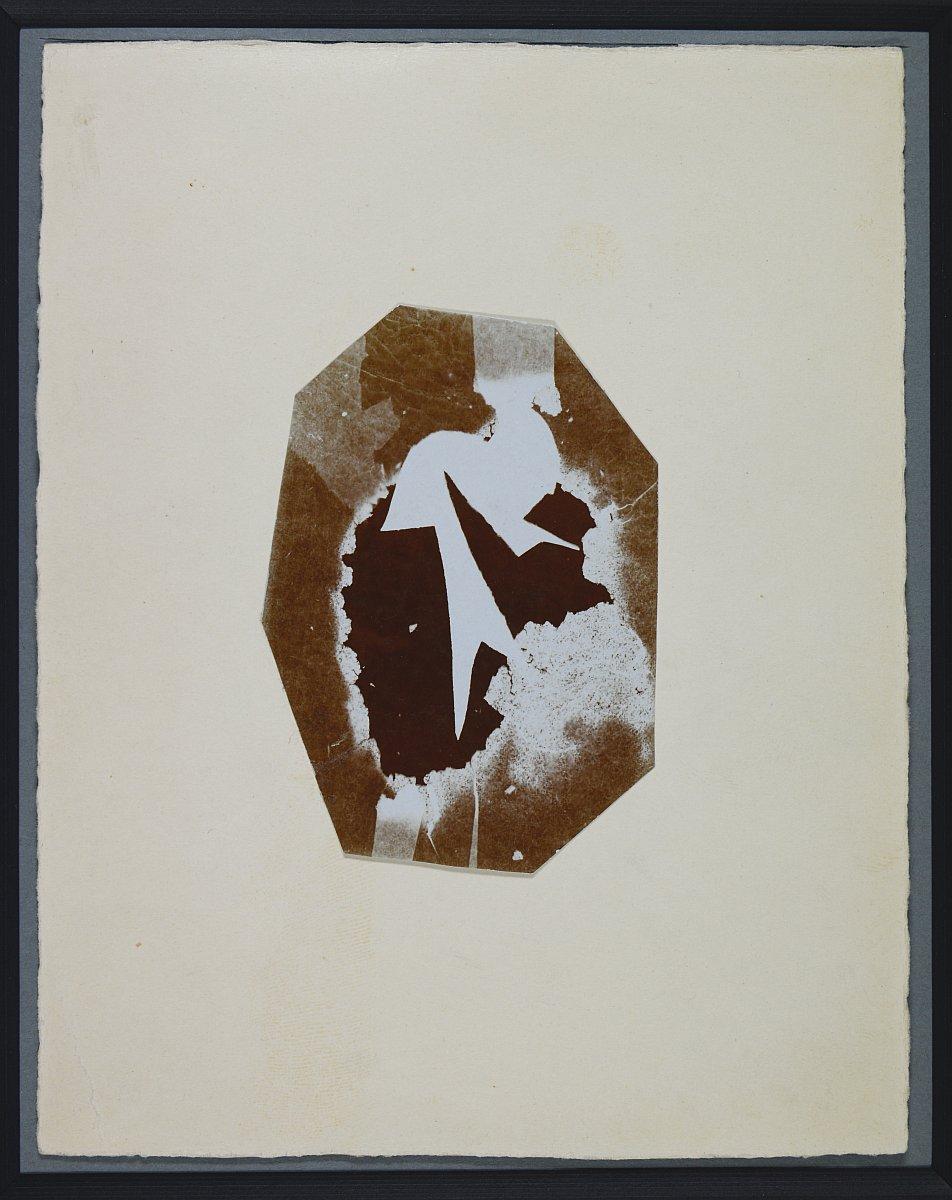 Christian Schad, Schadographie Nr. 11, Fotogramm, Tageslichtauskopierpapier, Silbergelatine, 8 cm x 5,2 cm, 1919 © Christian-Schad-Stiftung Aschaffenburg; Foto: Ines Otschik (Museen der Stadt Aschaffenburg)