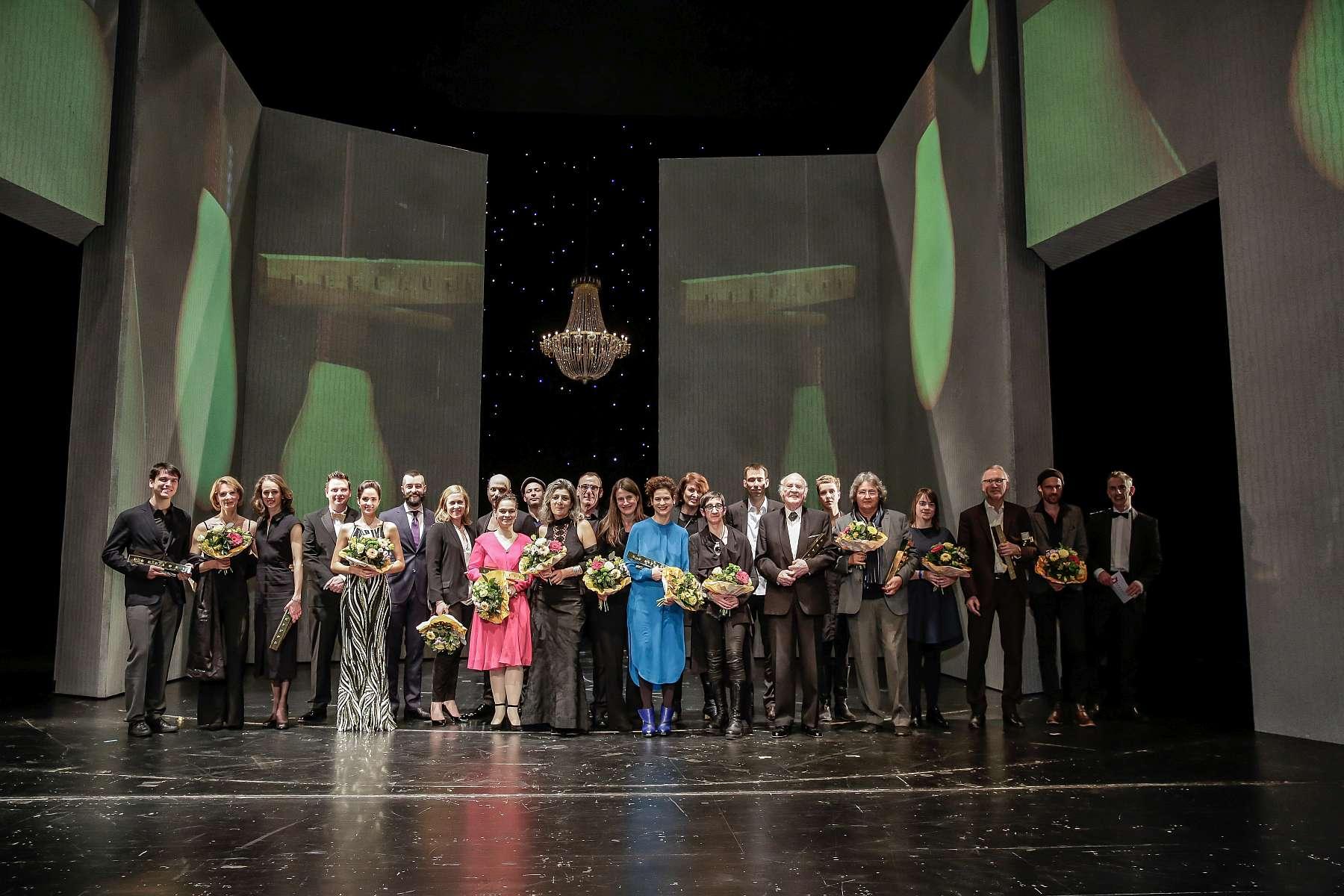 Die Preisträger des FAUST auf der Bühne des Saarländischen Staatstheaters, Saarbrücken/ Foto: Markus Nass