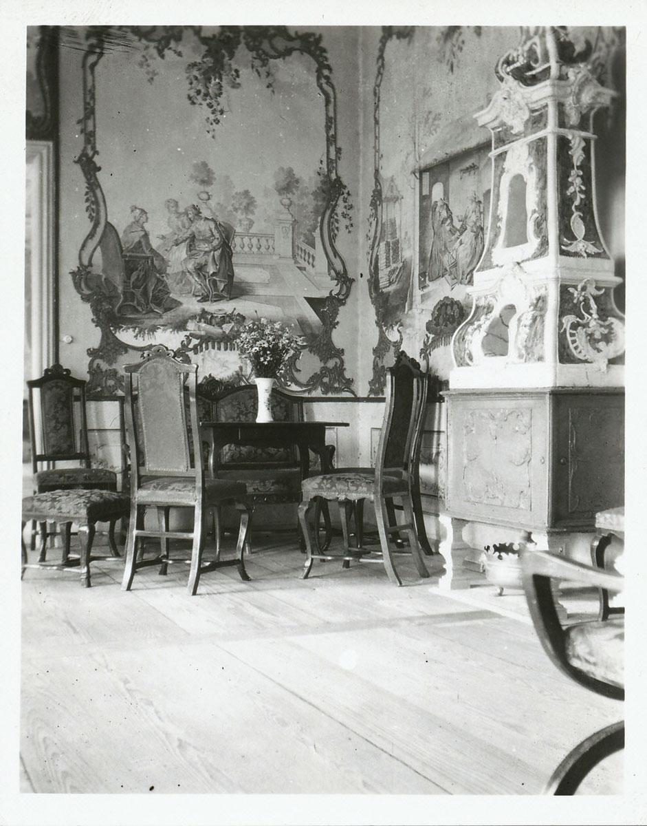 Der Fayence-Ofen im Herrenhaus Ermlitz muss dringend restauriert werden.