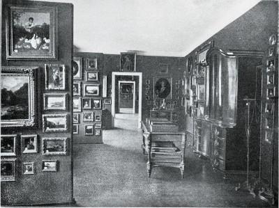 Die Innenräume der Städtischen Kunstsammlung in der Alten Mädchenschule, Badstüberstraße, 1913