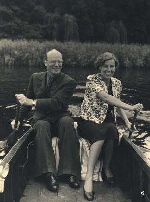 Gustaf Gründgens und Marianne Hoppe, Bootsfahrt auf dem Zeesener See, um 1937; Foto: Scherl, Berlin
