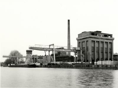 Manfred Hamm, Gaswerk Potsdam mit Koksseparation und Zichorienmühle, 1995, Potsdam Museum – Forum für Kunst und Geschichte