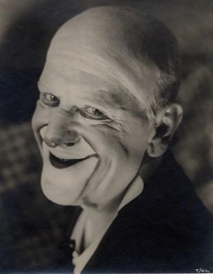 "UMBO, Grock, 12, aus der Serie ""Clown Grock"", 1928-1929, Sprengel Museum Hannover © Phyllis Umbehr / Galerie Kicken Berlin / VG BILD-KUNST, Bonn 2016"