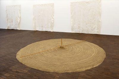 Günther Ueckers Sandspirale in der Galerie Alte & Neue Meister Schwerin; Foto: Bröcker/Staatliches Museum Schwerin