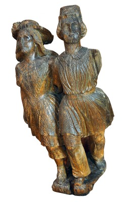 "Galionsfigur ""Geschwisterpaar"", um 1850, Höhe 150 cm; Altonaer Museum, Hamburg © SHMH / Foto: Ulrike Pfeiffer"