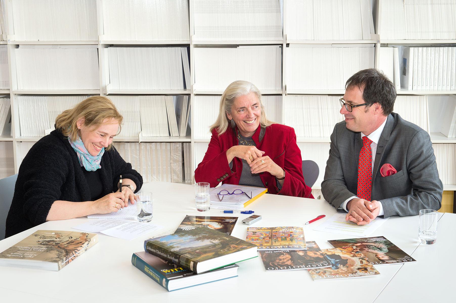 Uta Baier (links) im Gespräch mit Isabel Pfeiffer-Poensgen und Martin Hoernes © Stefan Gloede