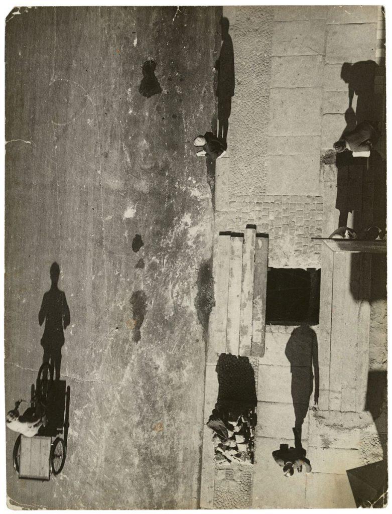 UMBO, Unheimliche Straße, 1928, 23,6×18 cm; Stiftung Bauhaus Dessau © Phyllis Umbehr/Galerie Kicken Berlin/ VG Bild-Kunst, Bonn 2016