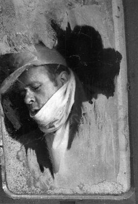 UMBO, Heimkehr, 1946, 23,7×16,7 cm; Negativ im Sprengel Museum Hannover, Neuabzug 1995, Archiv Herbert Molderings Phyllis Umbehr/Galerie Kicken Berlin/ VG Bild-Kunst, Bonn 2016 / Herbert Molderings
