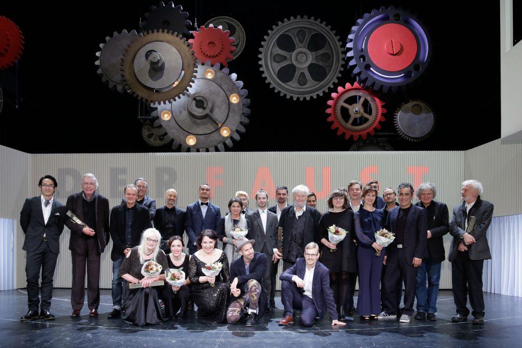 Die Preisträger des Faust auf der Bühne des Theaters Freiburg / Foto: Markus Nass
