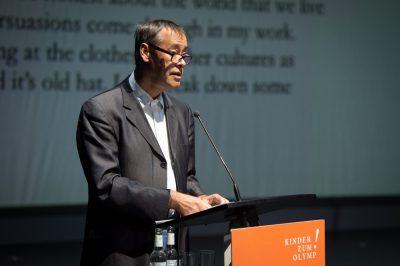 Impressionen des achten Kinder zum Olymp!- Kongresses in Düsseldorf: Thomas Krüger, Präsident der bpb hält einen der drei Auftaktvorträge