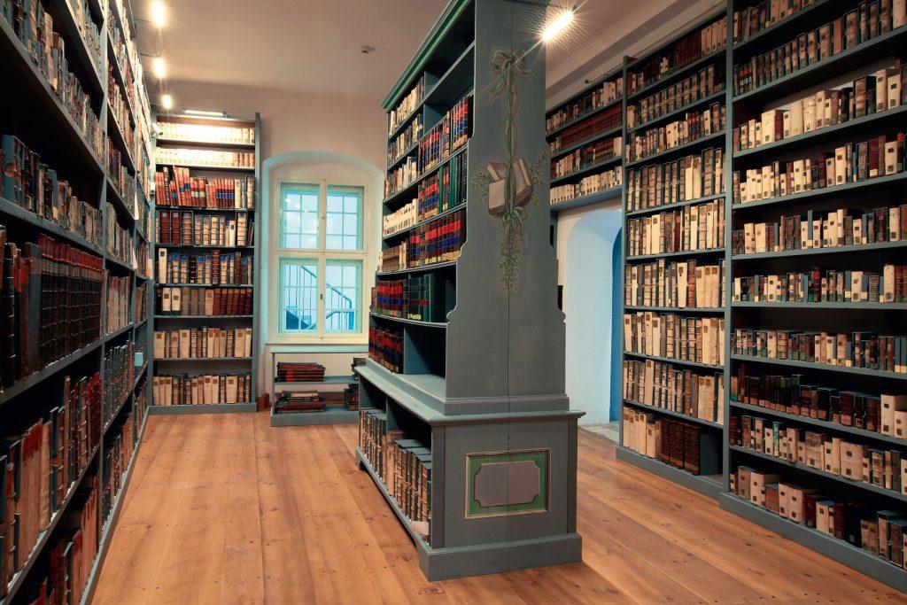 Historische Bibliotheksräume mit den Bänden aus der Milich'schen Stiftung im Barockhaus Görlitz; © Oberlausitzische Bibliothek der Wissenschaften