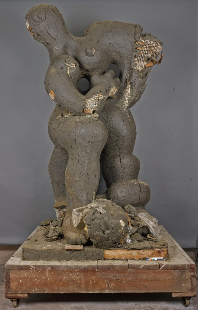 "Jacques Lipchitz, Modell ""Benediction"", 1943–45, 262 × 146 × 123 cm; Kunstsammlungen Chemnitz, Gift of the Jacques and Yulla Lipchitz Foundation, Inc.; © 2017 The estate of Jacques Lipchitz, courtesy, Marlborough Gallery, New York"