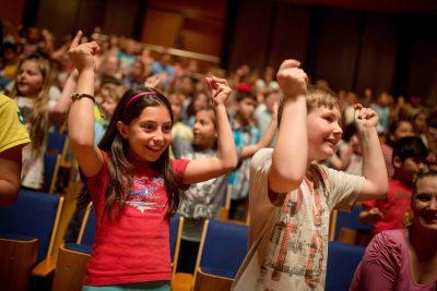 Städtischer Musikverein zu Düsseldorf e.V. gegr. 1818: Begeisterte Grundschulkinder in der Tonhalle Düsseldorf;  © Musikverein zu Düsseldorf