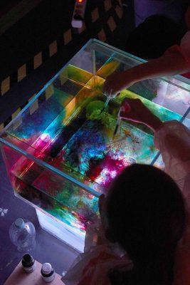 Max – Artists in Residence an Grundschulen, Stiftung Brandenburger Tor, Berlin: Atelier Lisa-Tetzner-Grundschule ; © Stiftung Brandenburger Tor / Foto: Nick Ash