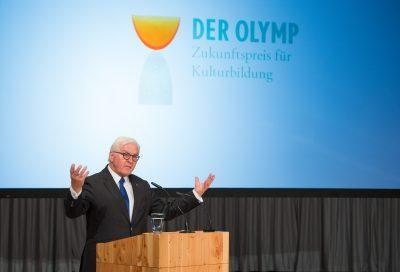"""Bundespräsident Frank-Walter Steinmeier bei der Verleihung des """"Zukunftspreises für Kulturbildung – DER OLYMP"""" am 10. Juli 2018 in Berlin; © Foto: Stefan Gloede"""