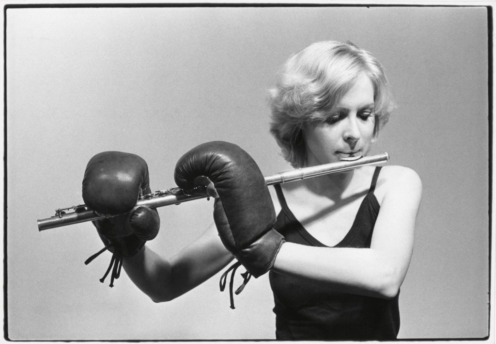 """Christina Kubisch, """"Break"""" aus der Serie """"Emergency Solos"""" für Flöte und Objekte, 1974; © Christina Kubisch / Foto: Archiv Kubisch"""