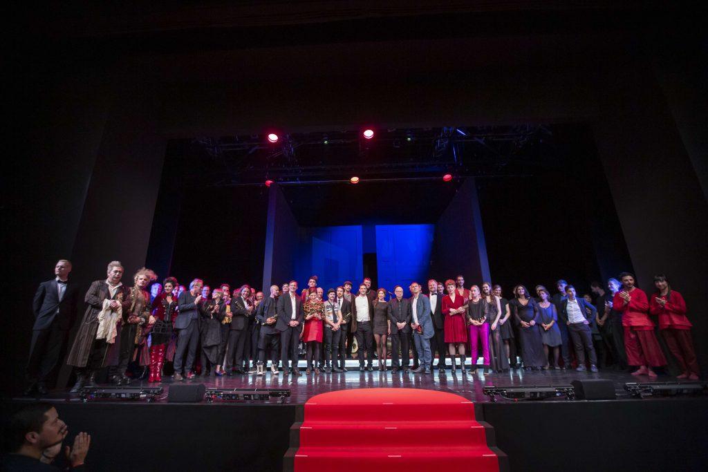 Die Preisträger des FAUST 2018 auf der Bühne im Theater Regensburg; © Foto: Markus Nass