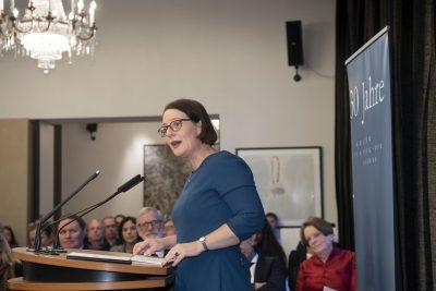 Begrüßung durch Staatsrätin Dr. Annette Tabbara, Bevollmächtigte der Freien und Hansestadt Hamburg beim Bund, bei der Europäischen Union und für auswärtige Angelegenheiten; © Foto: David Ausserhofer