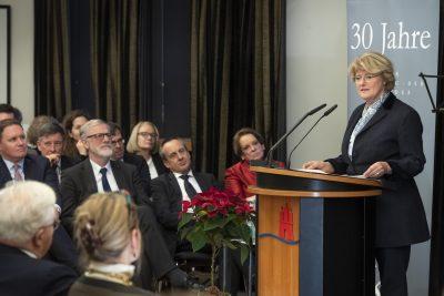 Staatsministerin Prof. Monika Grütters MdB, Beauftragte der Bundesregierung für Kultur und Medien, bei ihrer Rede auf dem Festakt anlässlich des 30-jährigen Bestehens der Kulturstiftung der Länder; © Foto: David Ausserhofer