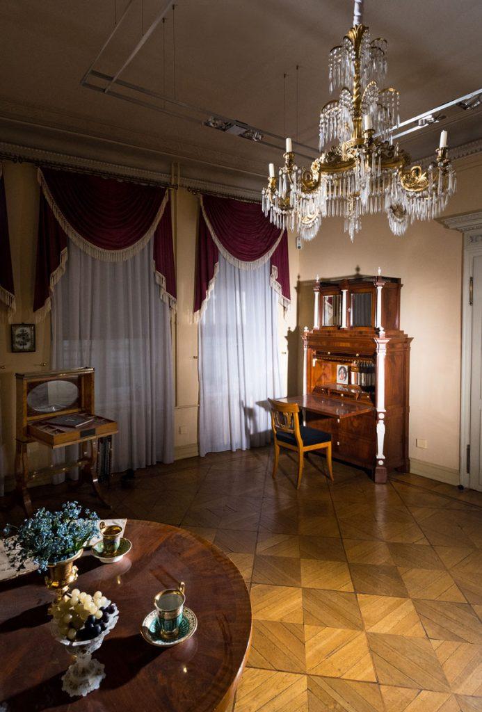Blick in das rekonstruierte Wohnzimmer im Museum Knoblauchhaus; © Foto: Leo Seidel