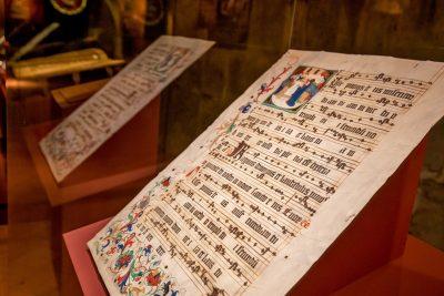 Illuminiertes Blatt aus einem Naumburger Chorbuch (Detail; Handschrift I), 1500/1504, 75,5 × 55,5 cm; Domstiftsbibliothek Naumburg; © Vereinigte Domstifter / Foto: Falko Matte