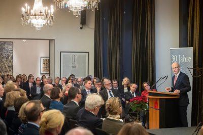 Dr. Peter Tschentscher, Erster Bürgermeister der Freien und Hansestadt Hamburg und derzeitiger Stiftungsratsvorsitzender der Kulturstiftung der Länder, beim Festakt in der Landesvertretung Hamburg in Berlin. © Foto: David Ausserhofer